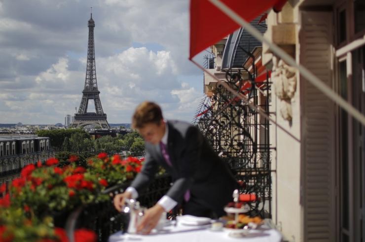 LINNALE APPI: Idufirma aitab Pariisi linnakassat täita