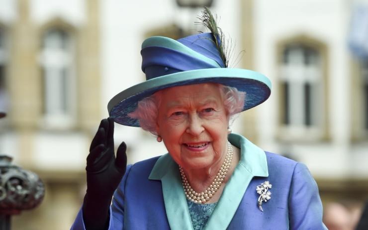PALJU ÕNNE! Elizabeth II saab Briti ajaloos kõige kauem ametis olnud monarh