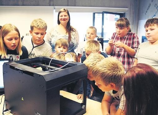 ARVUTISADU: Tallinna koolilapsed õpivad 5000 uue arvuti abil arvutiässaks