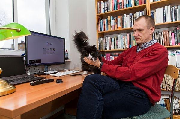 Postimees vahetas peatoimetaja Hardo Pajula vastu välja