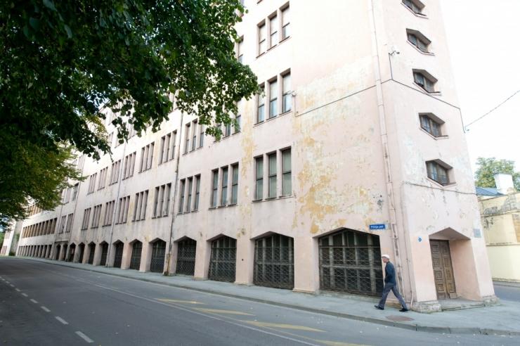 Kunstiakadeemia müüs maha kaks krunti ja ostis sokivabriku hoone