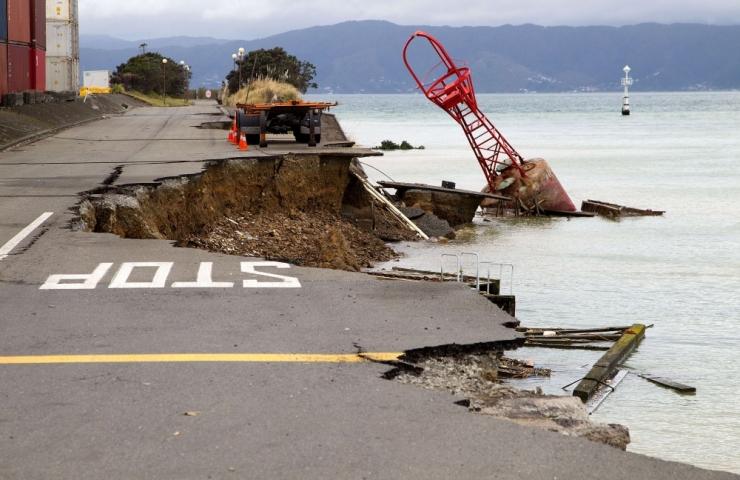 Uus-Meremaad raputas maavärin