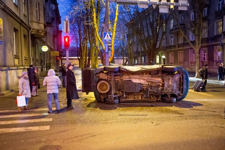 14 vigastatuga liiklusõnnetuse arvatav põhjustaja sai kahtlustuse