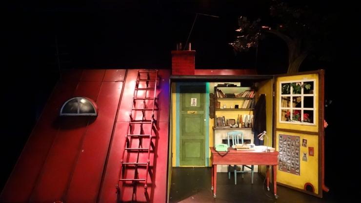NUKU teatris esietendub lugu kassidest, ajakirjandusest ja korruptsioonist