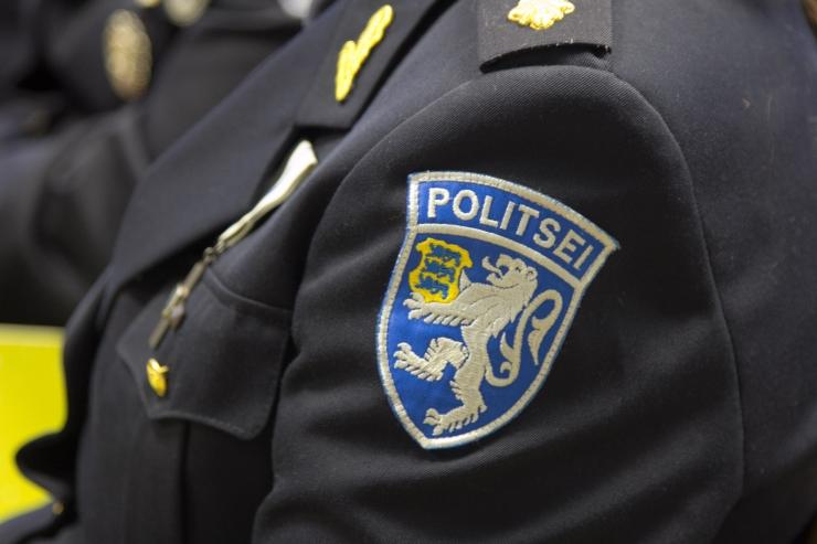 Politsei esitleb moeetendusel oma uut vormiriietust