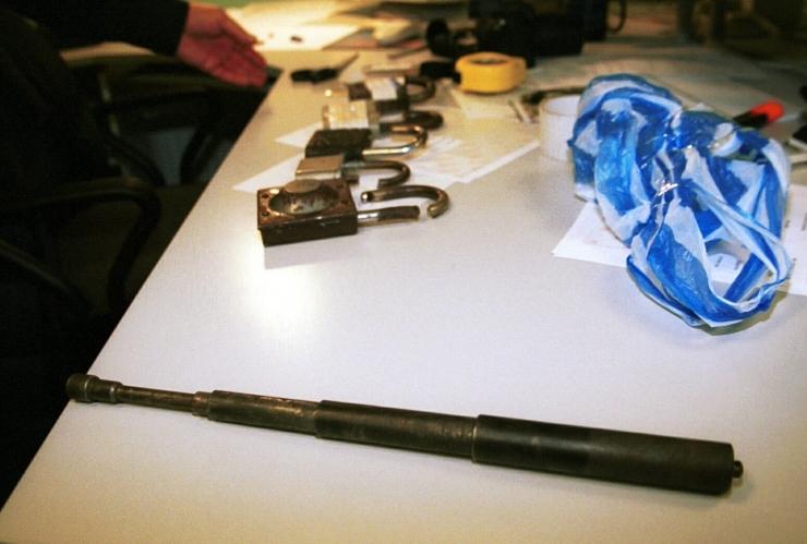 Politsei konfiskeeris Võrumaal laadamüüjalt mitukümmend keelatud relva