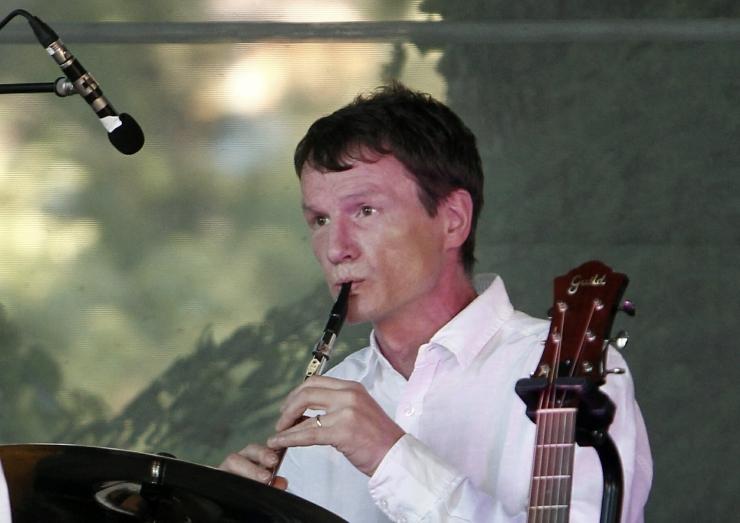 Jääääre kitarrist Teet Velling avaldas debüütalbumilt esimese singli