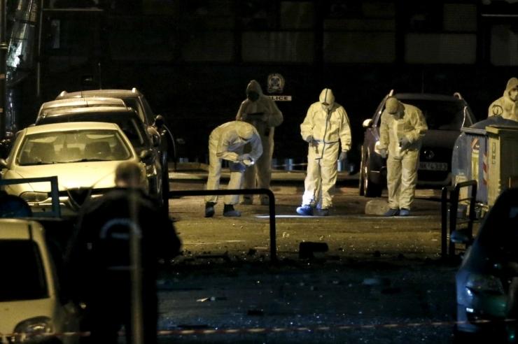 Ateenas plahvatas Kreeka ettevõtete liidu hoones ees lõhkekeha