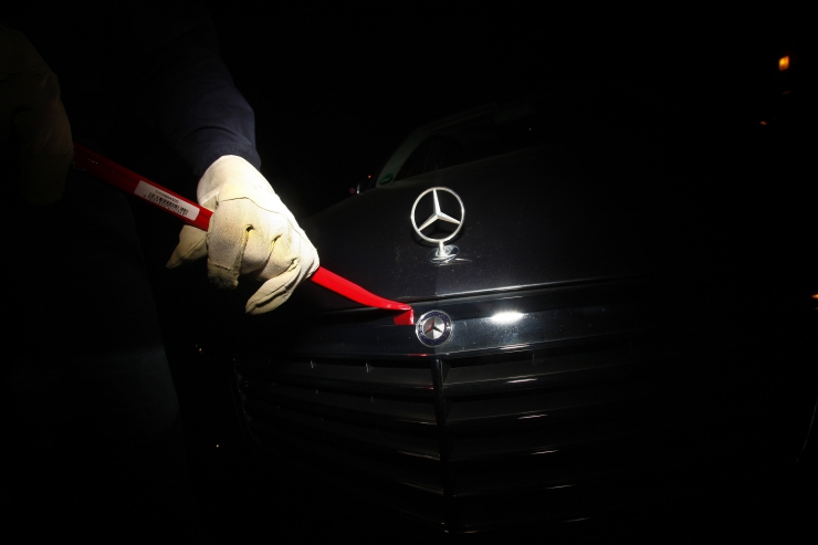 Politsei hoiatab relvastatud autovaraste grupeeringu eest