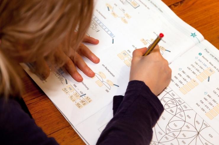 Ministeerium plaanib taas liita laia ja kitsa matemaatika õpetamise