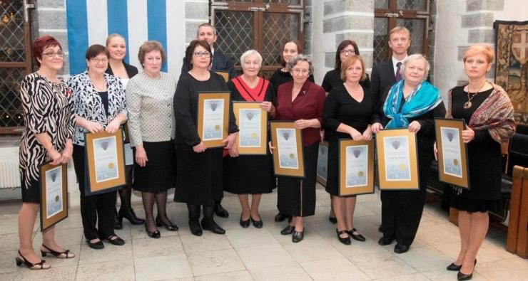 FOTOD! Tallinn tunnustas raekojas parimaid arste ja õdesid