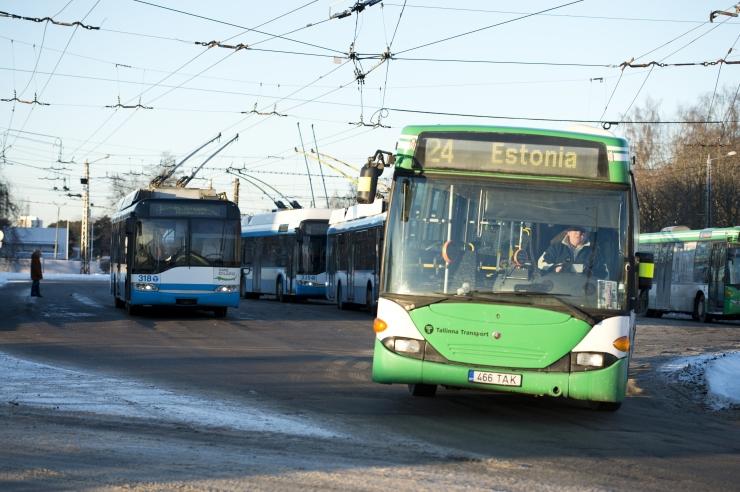 Buss sõitis üle teel lamanud inimesest