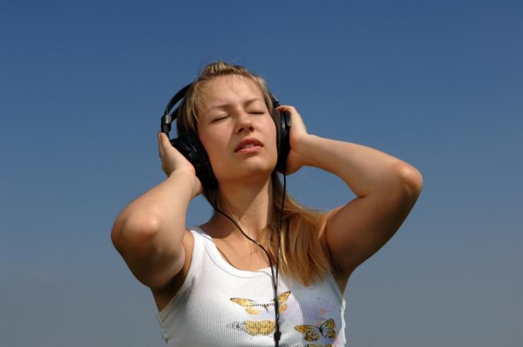 Kuula tasuta! Muusikaplatvorm Meludia teeb Eesti rahvale väärt jõulukingituse