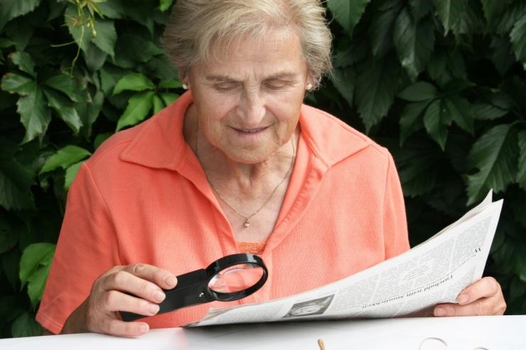 Tallinna eakad saavad soodushinnaga nii prillid kui ka auto varuosad