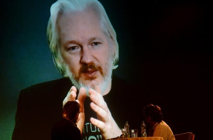 Ecuador: kui Rootsi süüdistust ei esita, võib Assange Londonist lahkuda