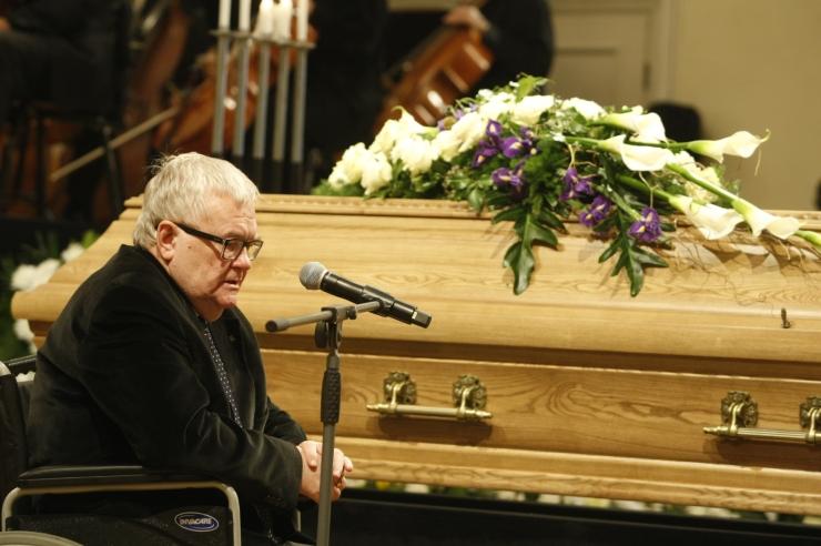 MEENUTUSED JA FOTOD: Eesti jättis hüvasti armastatud maestro Eri Klasiga