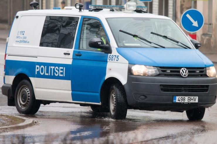 Vägivallatseja lõi politseinikule põlvega näkku
