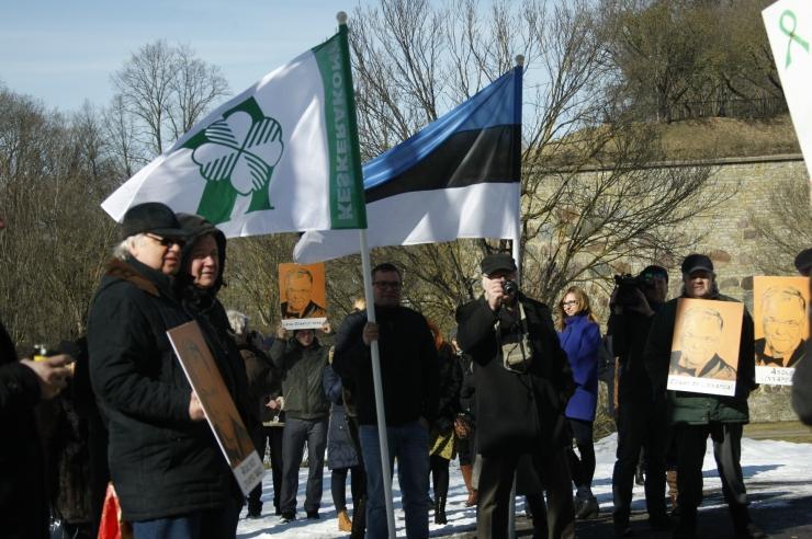 FOTOD! Rahvamass Hirvepargis: ilma Savisaareta oleme hukule määratud!