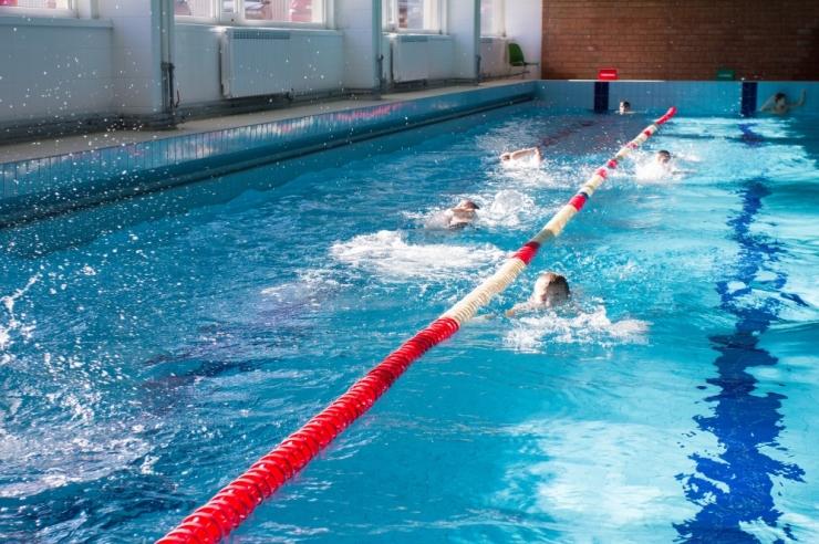 Liit soovib viia neli ujujat Downi sündroomiga sportlaste mängudele