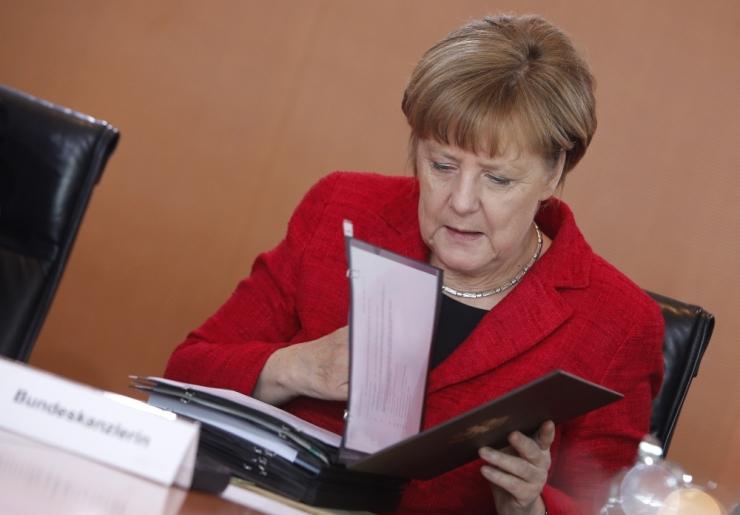 Merkel: Kreeka võlgu ei ole võimalik maha kanda