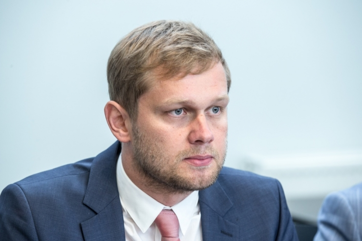 Kohus arutab Holsmeri hagi Postimehe vastu mai keskel