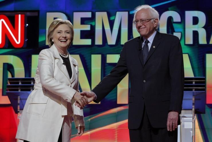 Sanders ja Clinton pidasid maha tulise väitluse
