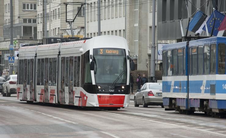 Huligaan vigastas kiviga trammijuhti