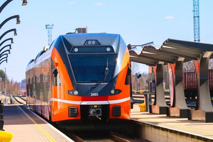 Elron palkub Teeme Ära talgutel osalejatele poole hinnaga rongisõitu