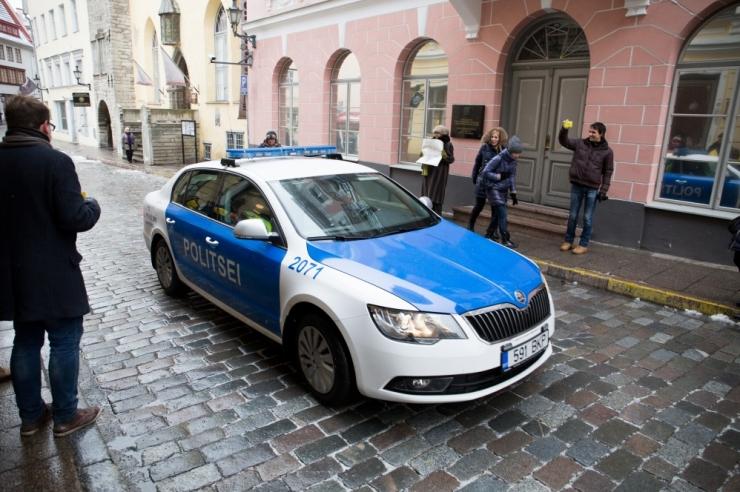 KOALITSIOONIERAKONNAD EI SAA LÄBI: IRLI sõnul politsei väldib Võrus võimul olevate sotside tegevuse uurimist