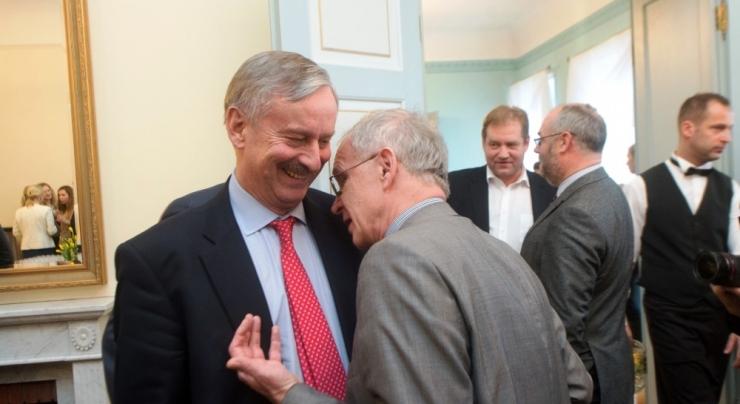 Kuidas presidendikandidaatide Kallase ja Nestori abiga Eesti rahvast pärisorjad tehti