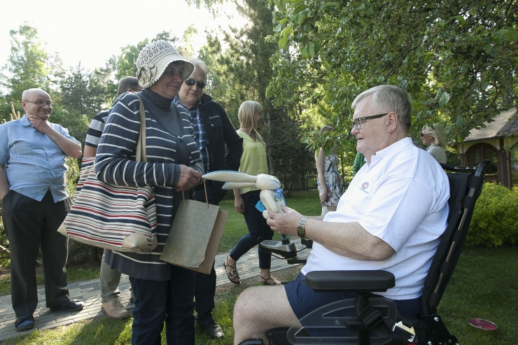 FOTOD! Linnapea Edgar Savisaar pidas kodus Hundisilmal oma sünnipäeva