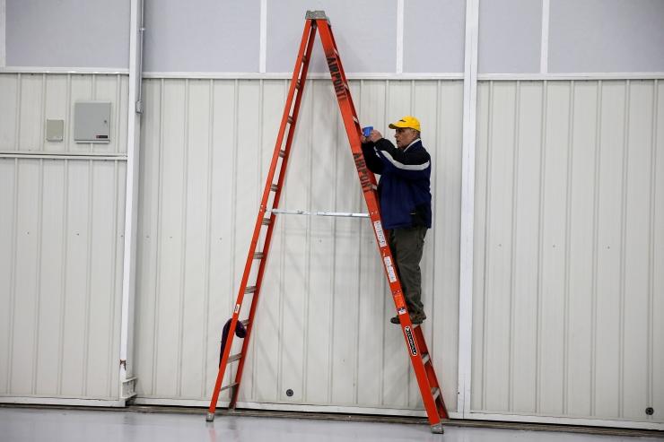 LUGEJA: Kas nelja meetri kõrgusel redeliga töötamine on ohtlik?