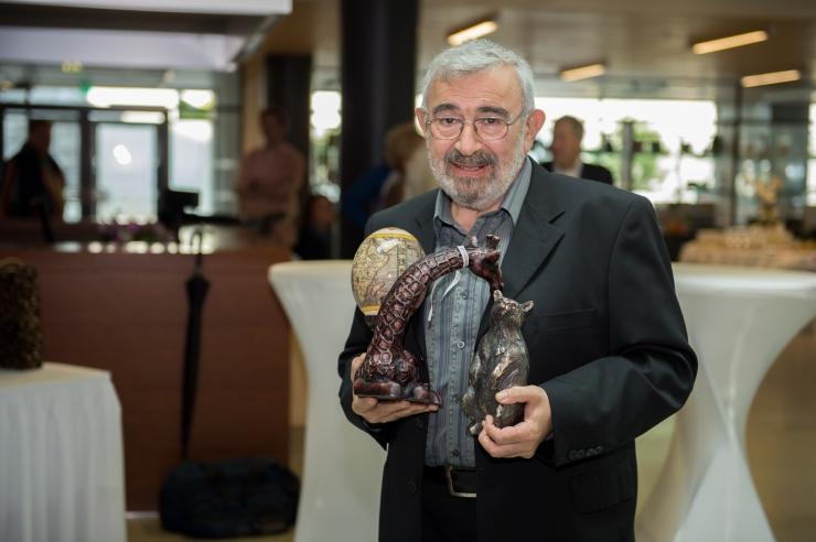 FOTOD! ALEKSEI TUROVSKI: Puurist põgenenud šimpans tahtis mult võtmeid, et pruut ka välja lasta