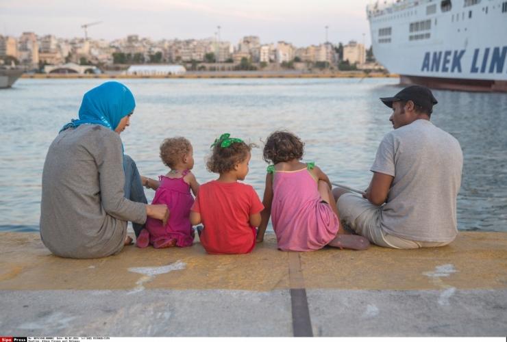 Leetu saabus Kreekast 11 põgenikku