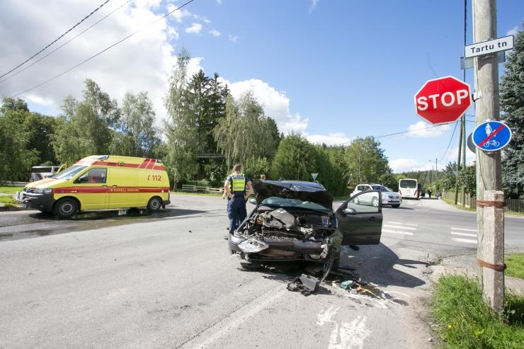 Inimvigastustega lõppenud kuuest avariist kolmes osalesid purjus juhid