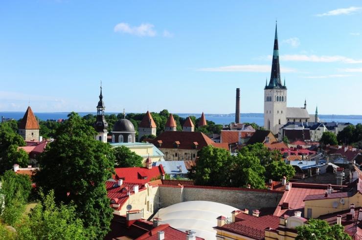 Tallinnas Tornide väljakul on homme sügislaat ja Petrojazz