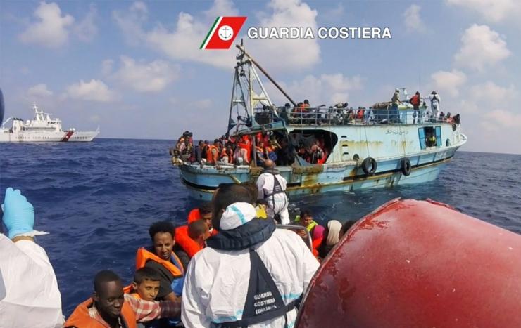 ÜRO: Tänavu on üle Vahemere Euroopasse jõudnud 300 000 migranti