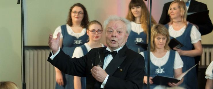 ANTS ÜLEOJA: Laulupidude jätkumiseks peaks koorilaul olema koolides taas kohustuslik õppeaine