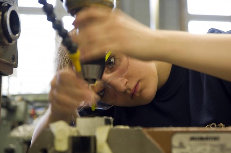 Lugeja küsib: kas uue masina installeerimine mõjutab töökeskkonda?