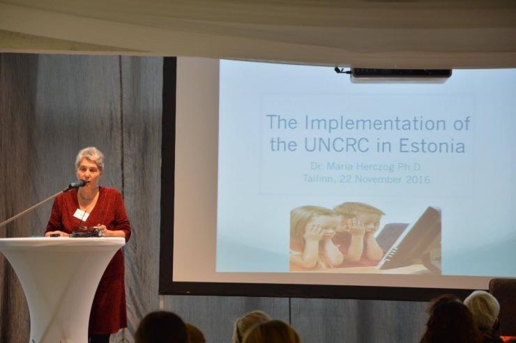 ÜRO lasteõiguste ekspert: Eesti lapsi ohustavad peretülid, koolist välja langemine ja HIV
