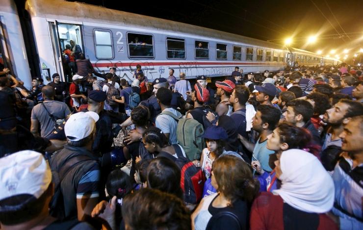 Migrandid sõidavad kaubarongidega Austriast Saksamaale