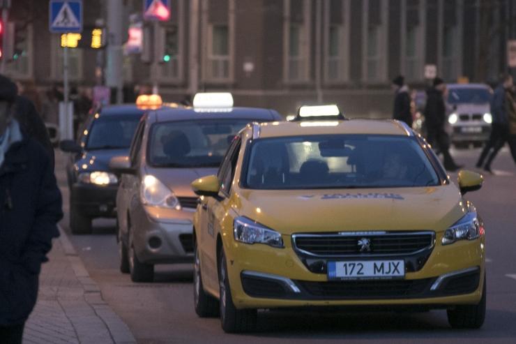 TAKSOJUHT: Asjakohase koolituseta sõidujagajad seavad inimeste elu ohtu