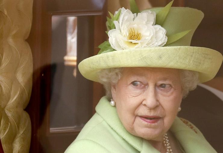 Kuninganna Elizabeth tunnustab jõuliläkituses sportlasi
