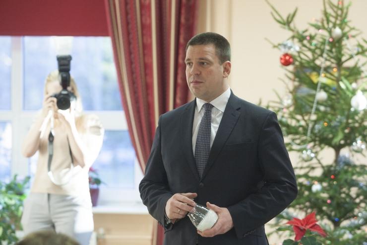 FOTOD! Peaminister külastas Mustamäe päevakeskust