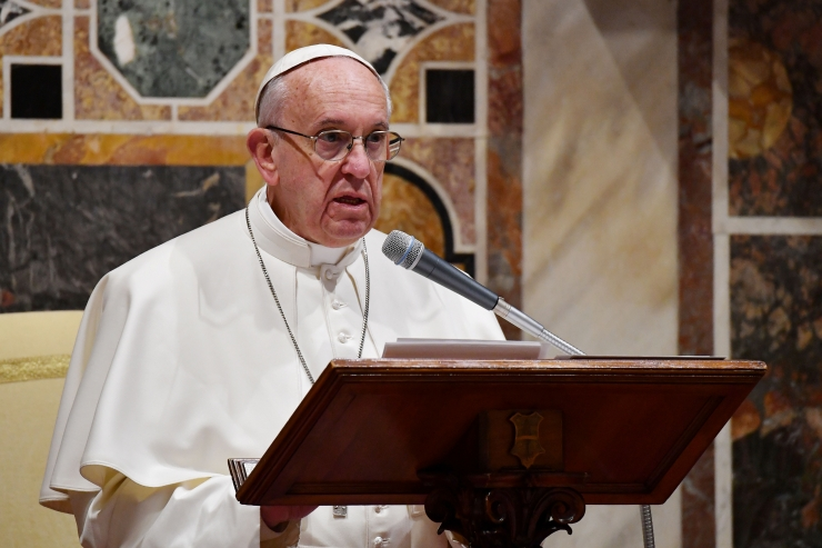 Paavst: jumala nimel ei tohi tappa
