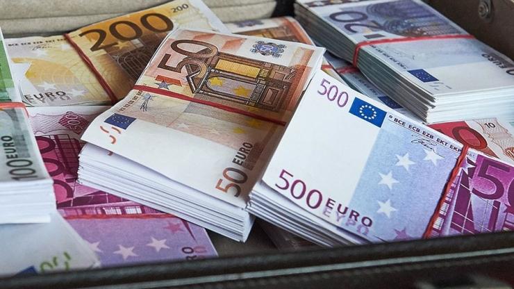 Kaheksa ärimeest annetasid parteidele kokku 800 000 eurot