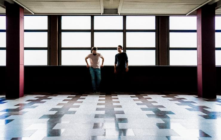 Jazzkaar avalikustas kevadise artisti: minimalistlik klaveriduo Grandbrothers on ühe jalaga tantsupõrandal