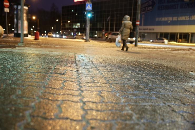 Mupo hoiatab: külmakraadid on muutnud kõnniteed libedaks