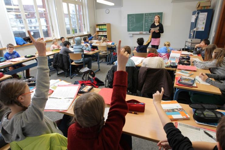 Lugeja küsib abilinnapealt: kuidas vahetada kooli keset kooliaastat?