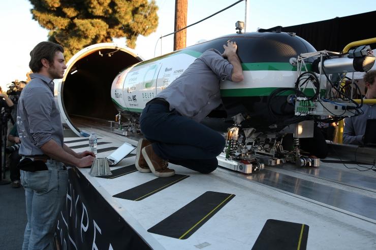 Hyperloop One huvitub Eesti ühendamisest Hyperloopi infrastruktuuriga